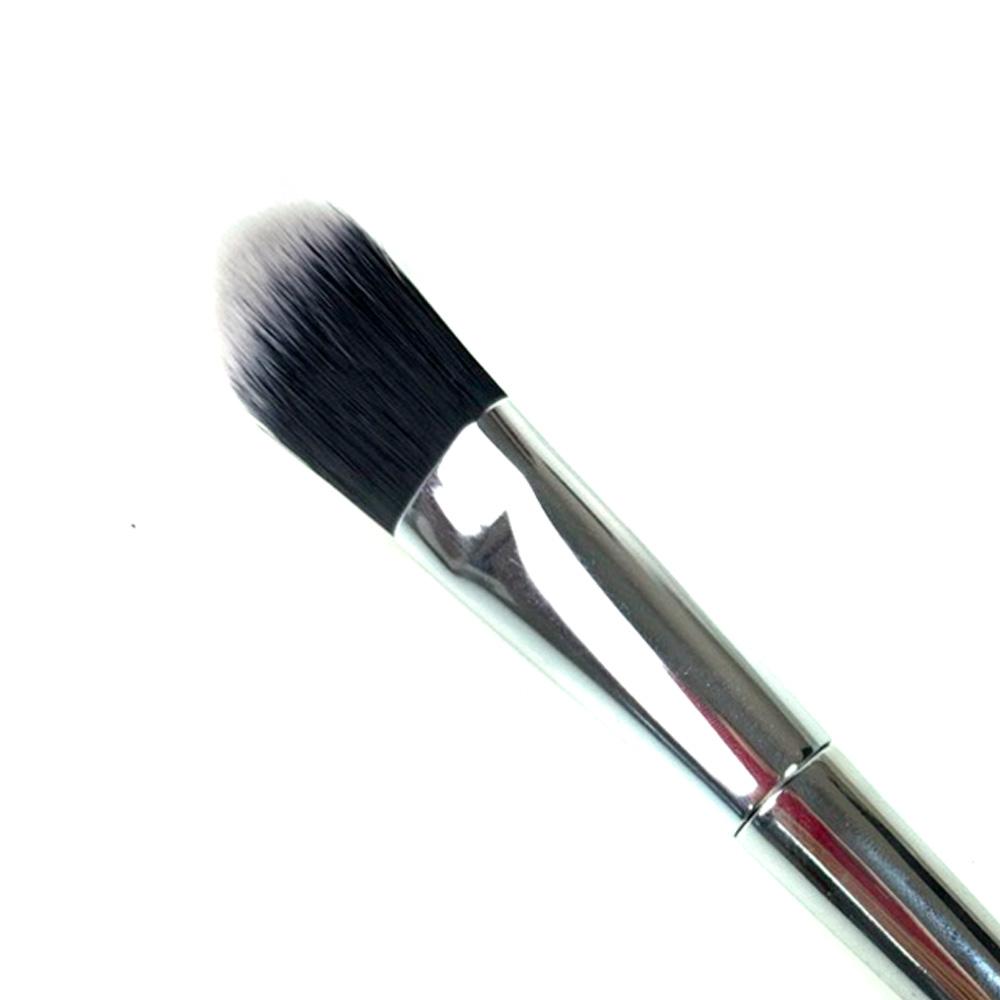 Кисть для для тональной основы с серебряной ручкой (черно-белый ворс), 19 см (2,0*2,9)